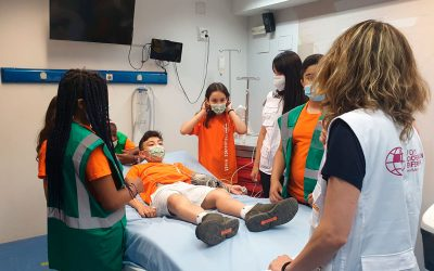 El campamento de ICEAS visita el Centro de Simulación Clínica de Fuden