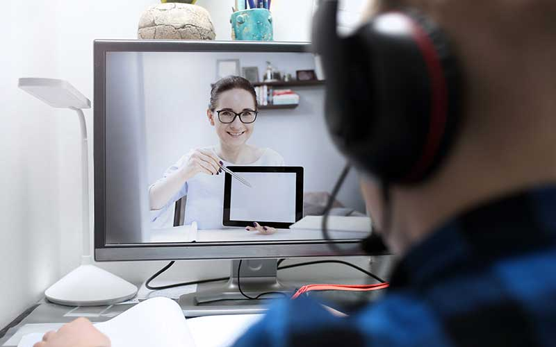 Telecuidados para estar más cerca de pacientes y cuidadores