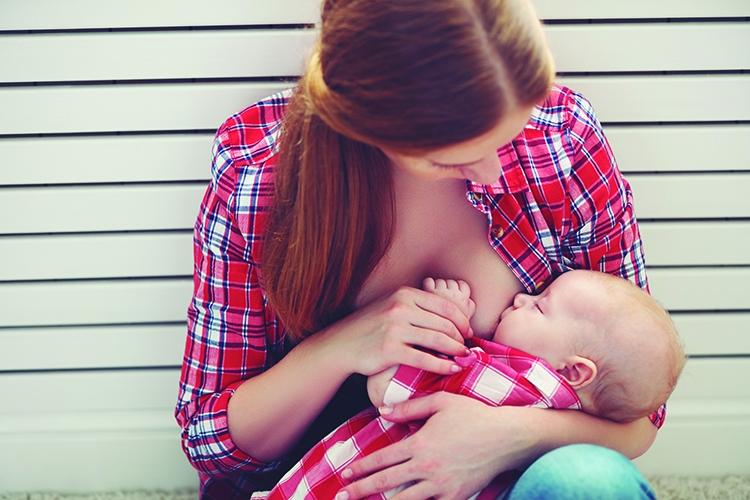 FUDEN lanza formación exclusiva para consultoras en lactancia materna