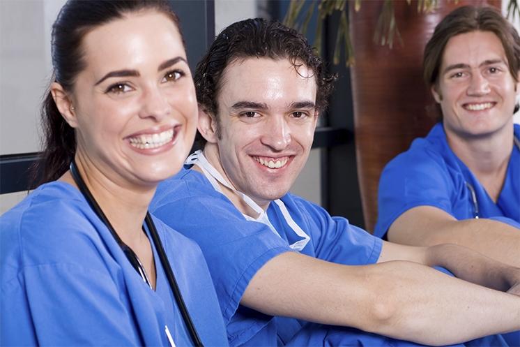 Los estudiantes de enfermería logran el mejor rendimiento académico en el curso 2015/2016